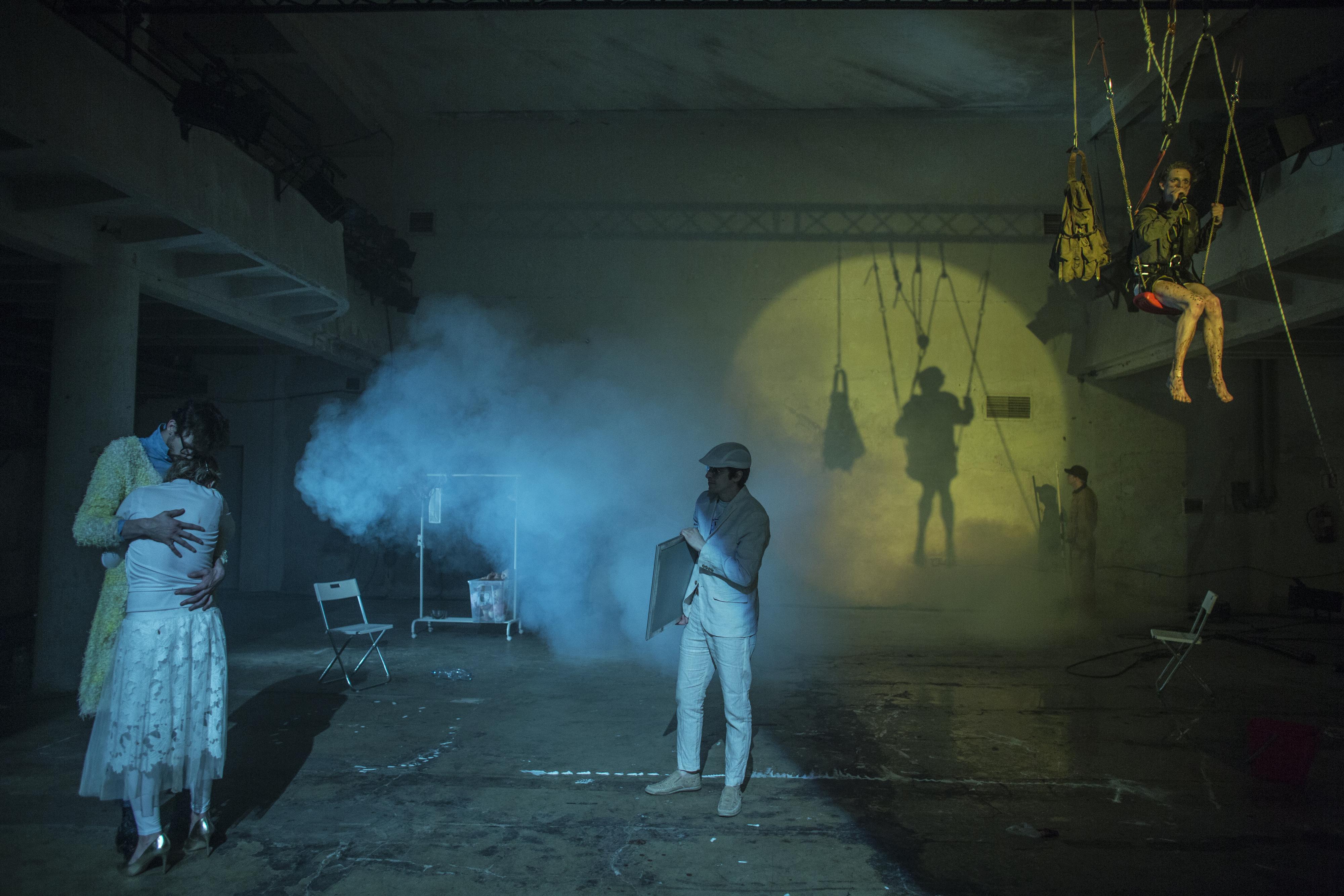 Z inscenace Ungarova románu Zmrzačení divadla X10