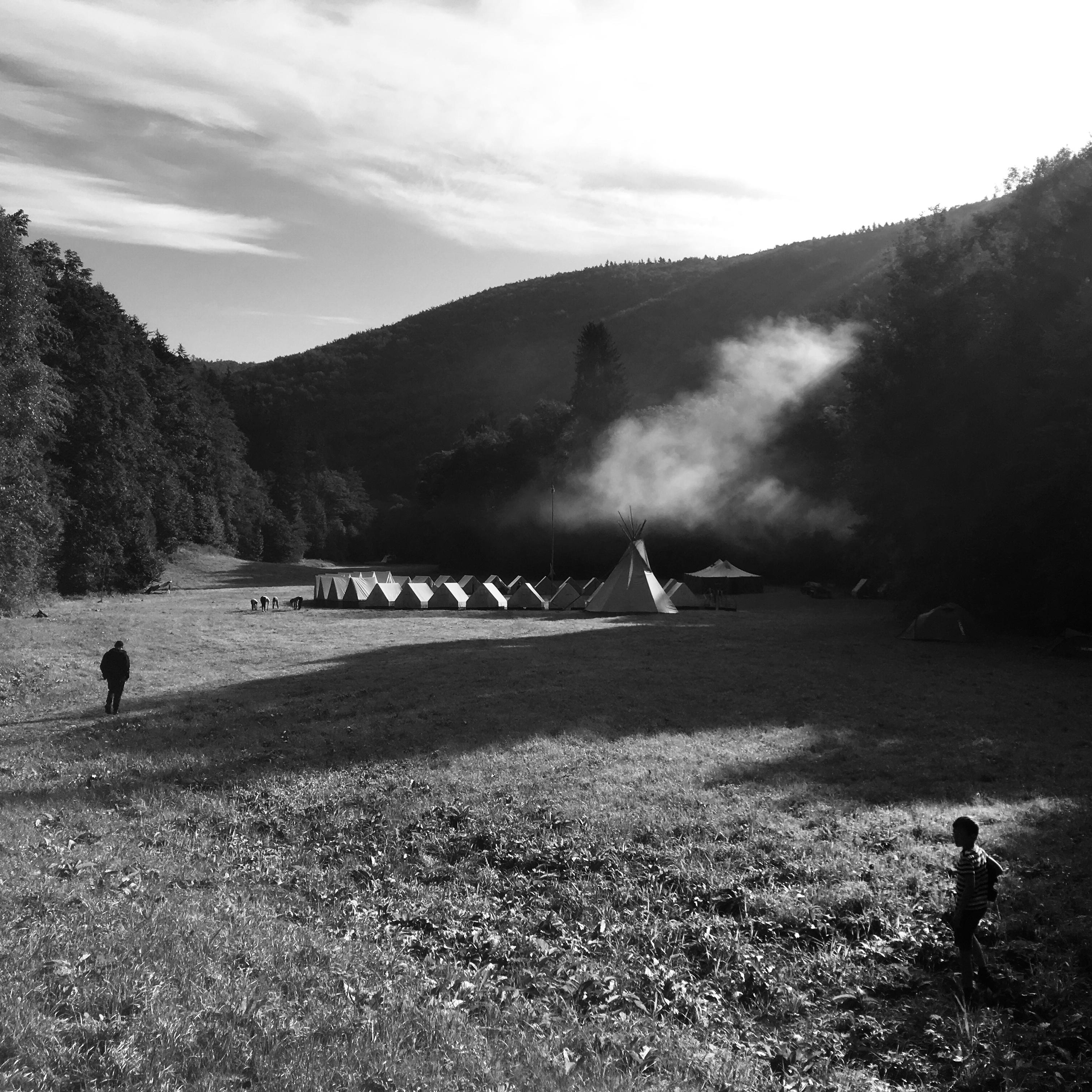 Tábor Vatry na louce u Drozdovské pily