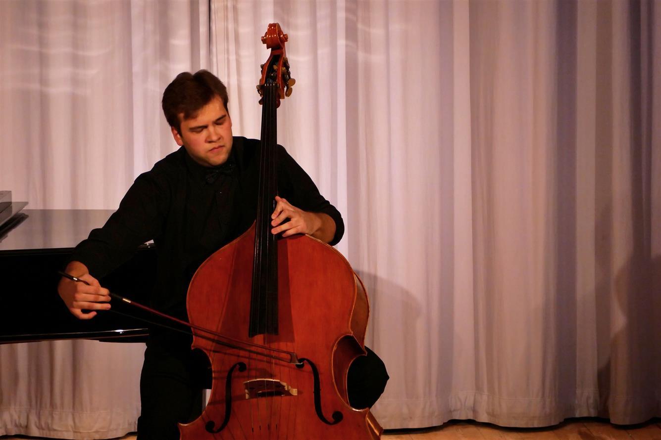 Adam Honzírek na koncertě v boskovickém zámeckém skleníku