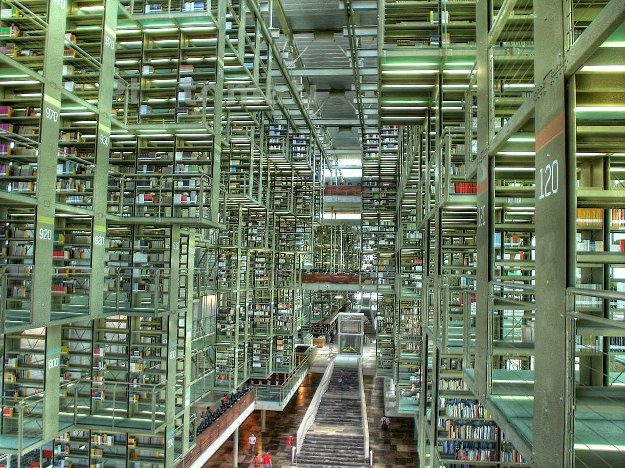 Biblioteca Vasconcelos, knihovna v Mexico City postavená podle návrhu Alberto Kalacha a Juana Palomara