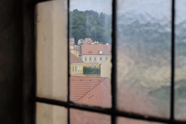 Výhled z oken kostela do židovského města