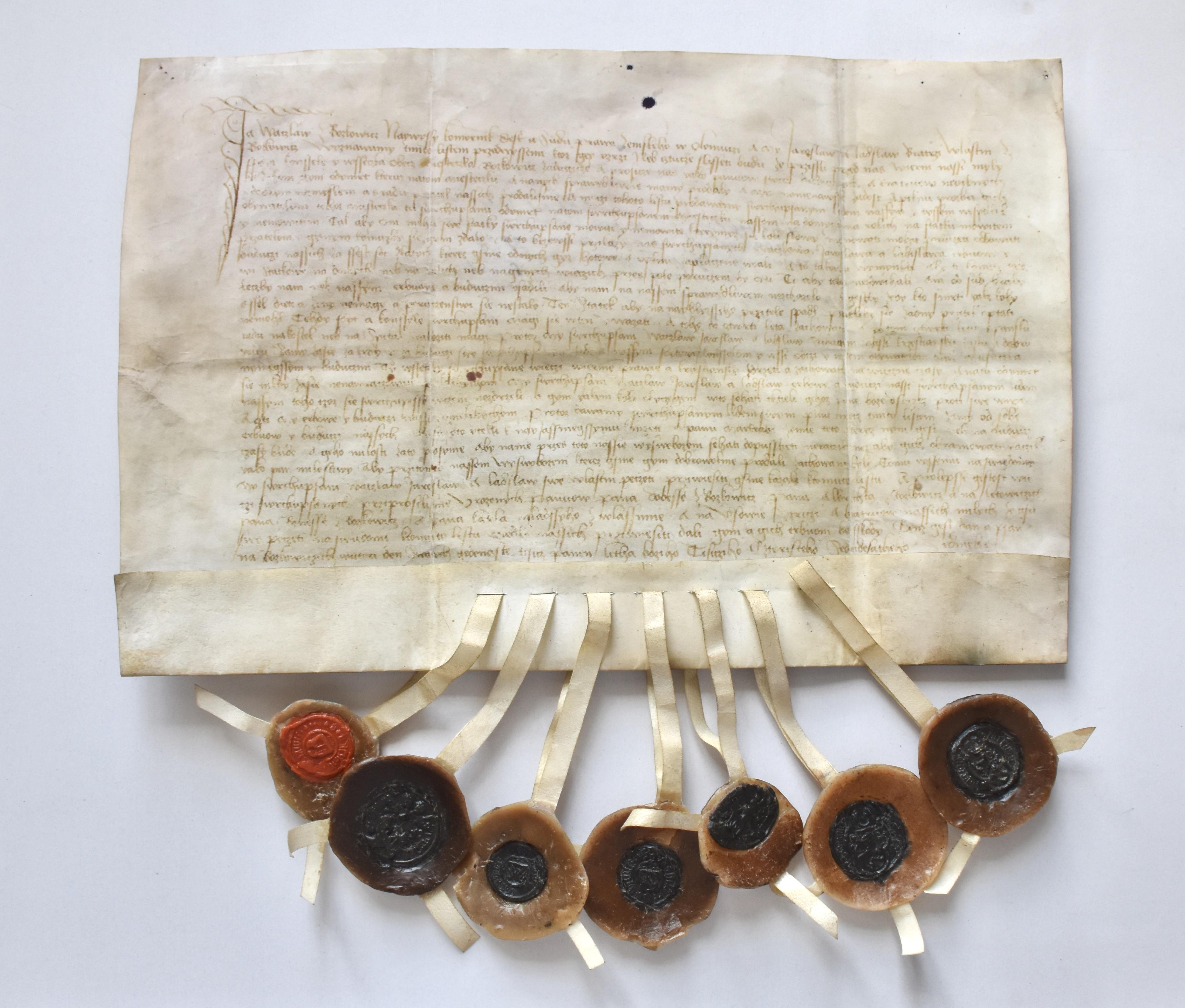 Faksimile listiny z 21. října 1477, kterou pro městečko Boskovice vydal Václav z Boskovic a spolupečetili jeho synové Jaroslav a Ladislav