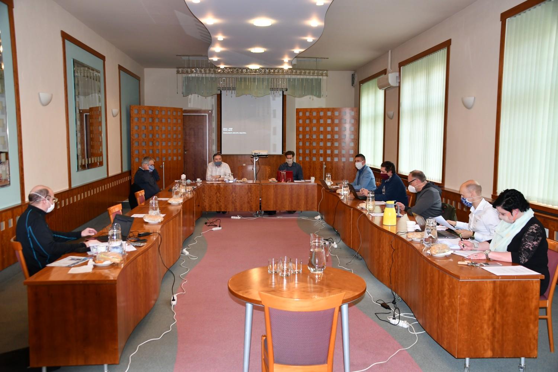 Jednání rady města v nouzovém režimu