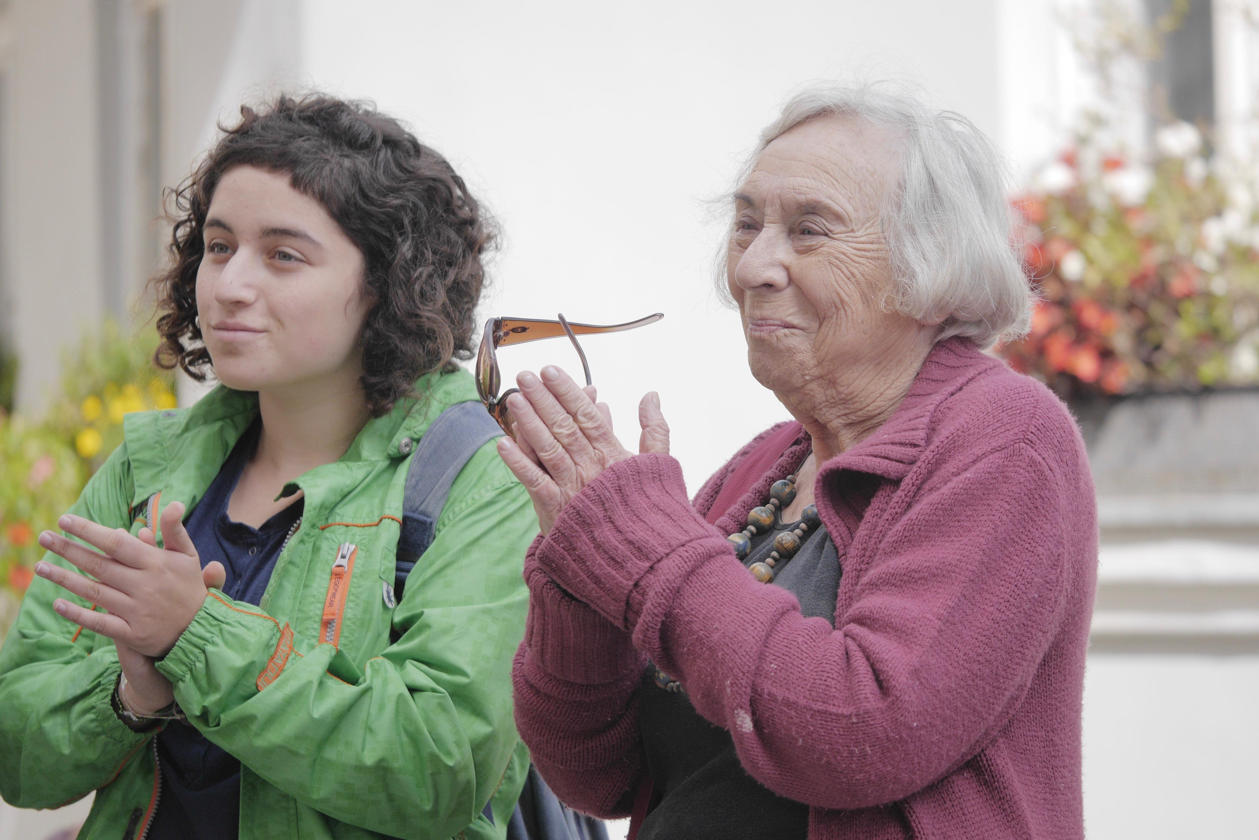 Eva Morris Reichová, dcera posledního boskovického rabína, se svou vnučkou