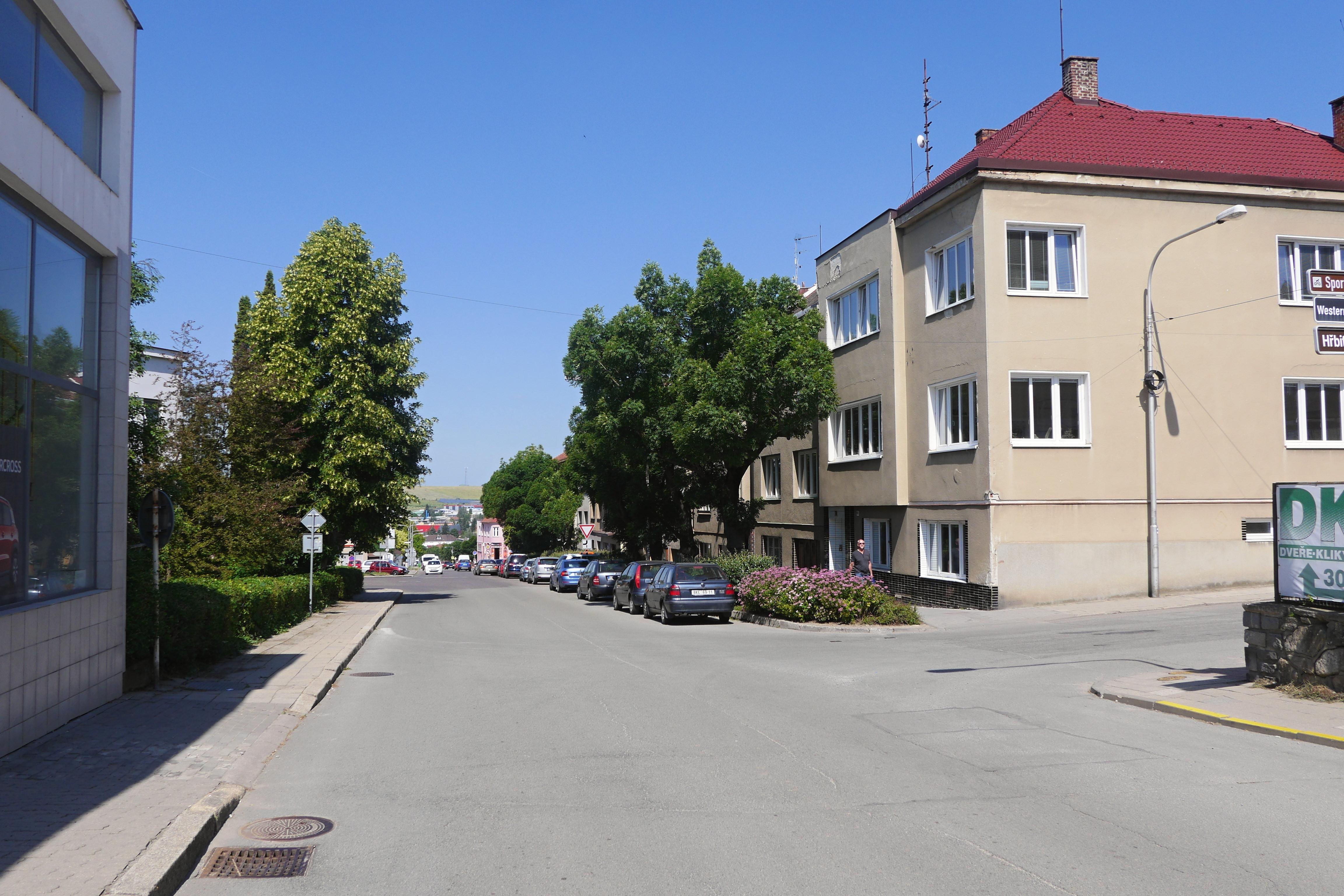 Křižovatka ulic Hybešova a Svatopluka Čecha
