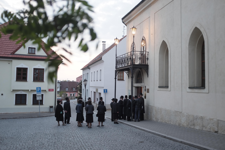 Před oslavou svátku Šavuot v boskovické synagoze