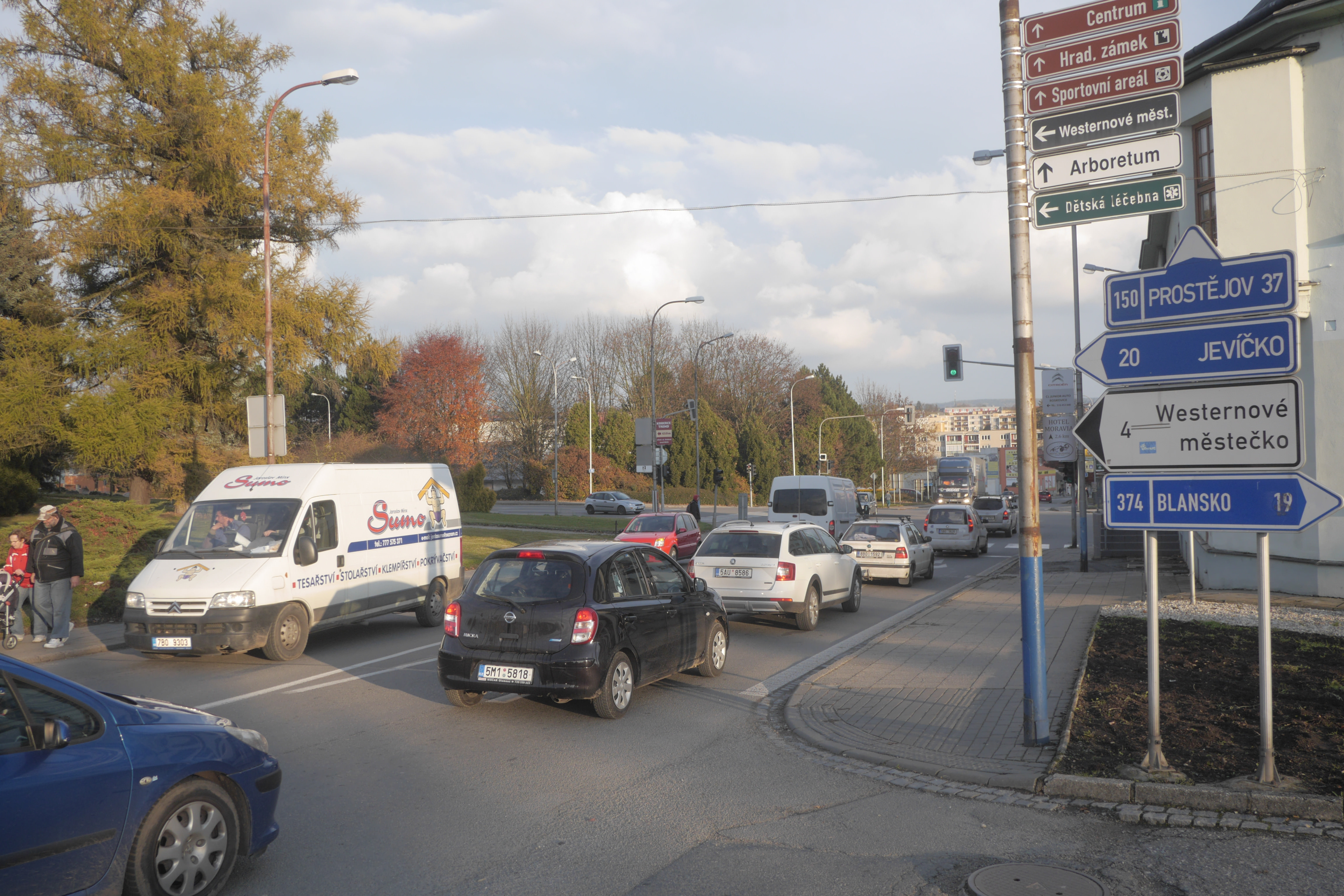 Křižovatka u hotelu Slávie